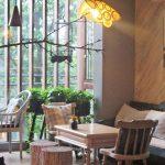 Cách trang trí quán café ngày Tết hút khách và ấn tượng